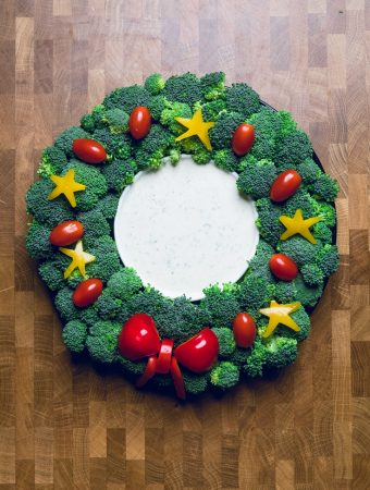 Christmas Veggie Tray Wreath