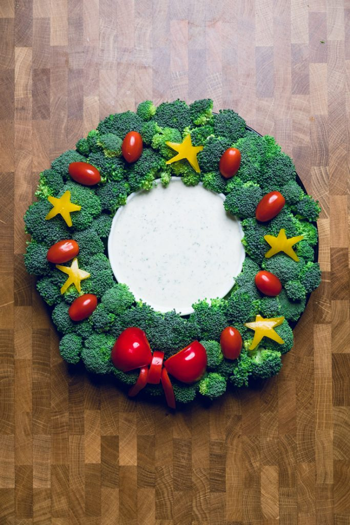 Christmas Veggie Tray Wreath , Make It Dairy Free