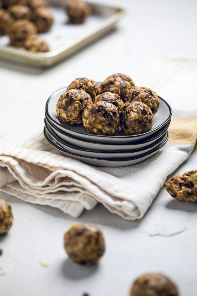 vegan peanut butter chocolate energy balls