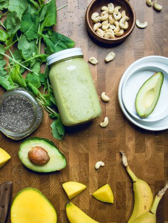 Vegan Mango Avocado Smoothie