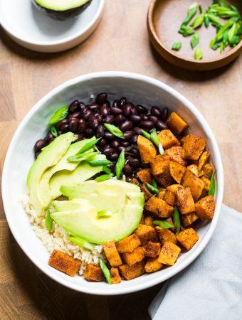 Vegan Cajun Sweet Potatoes and Black Beans Rice Bowls {Pantry Meal}